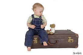 kind met koffer